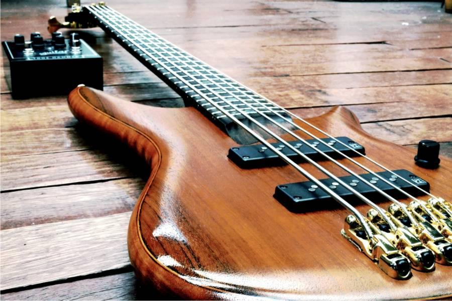 bajo aprender a tocar