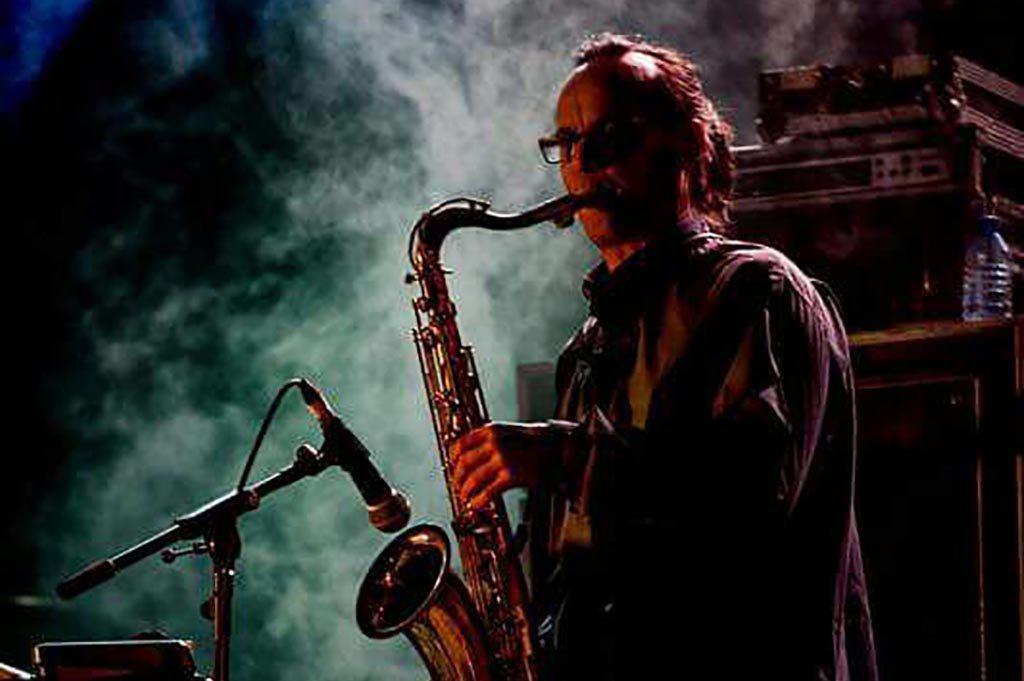 profesor saxofón juan tamayo